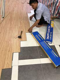 Hình ảnh thi công Sàn nhựa Snappy- sàn gỗ